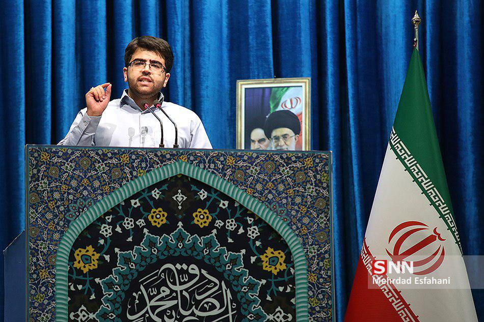 باید مشخص شود در جمهوری اسلامی زیر لوای حمایت پدر و برادر نمی توان به مردم خیانت کرد