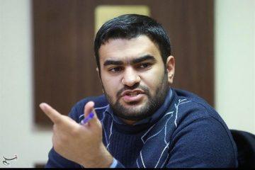 """""""دانشگاه آزاد"""" تشکلهای دانشجویی را """"سرکوب"""" کرد"""