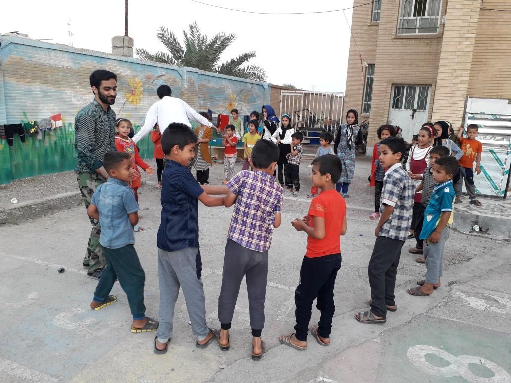 قرارگاه جهادی صدر با هدف کار فرهنگی برای سیل زدگان استان خوزستان، به شهرستان الهایی رفت+ گزارش تصویری