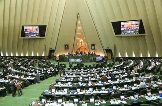 مجلس به دور از همه بده بستانهای رایجش! به وظیفه خود در بررسی و تصویب برنامه ششم عمل کند