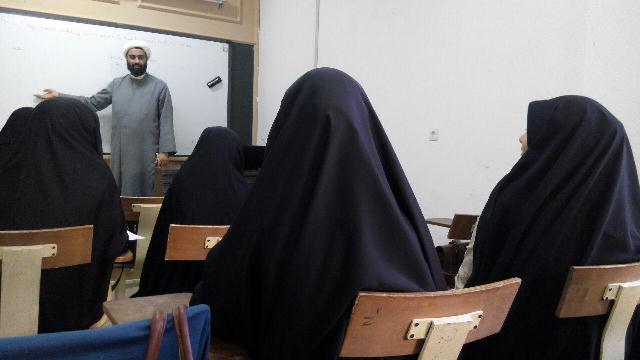 اعضای انجمن اسلامی دانشجویان مستقل قم با جریانات سیاسی آشنا می شوند